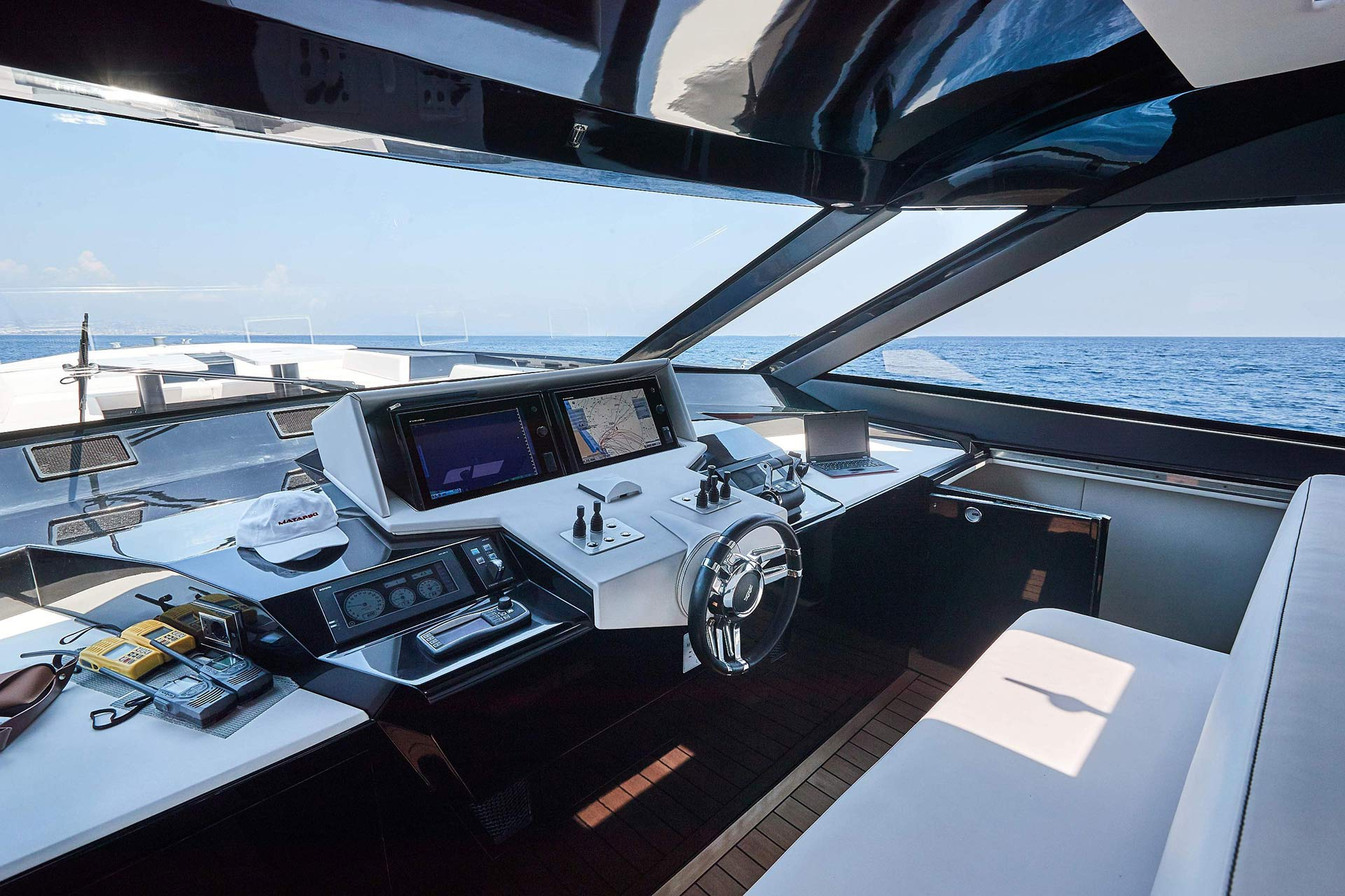 Matariki-Motor-Yacht-for-sale-gallery-07.jpg