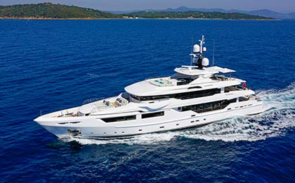 charter a sailing or motor luxury yacht entourage thumbnail