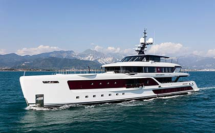 Quinta-Essentia-Motor-Yacht-for-sale-thumb.jpg