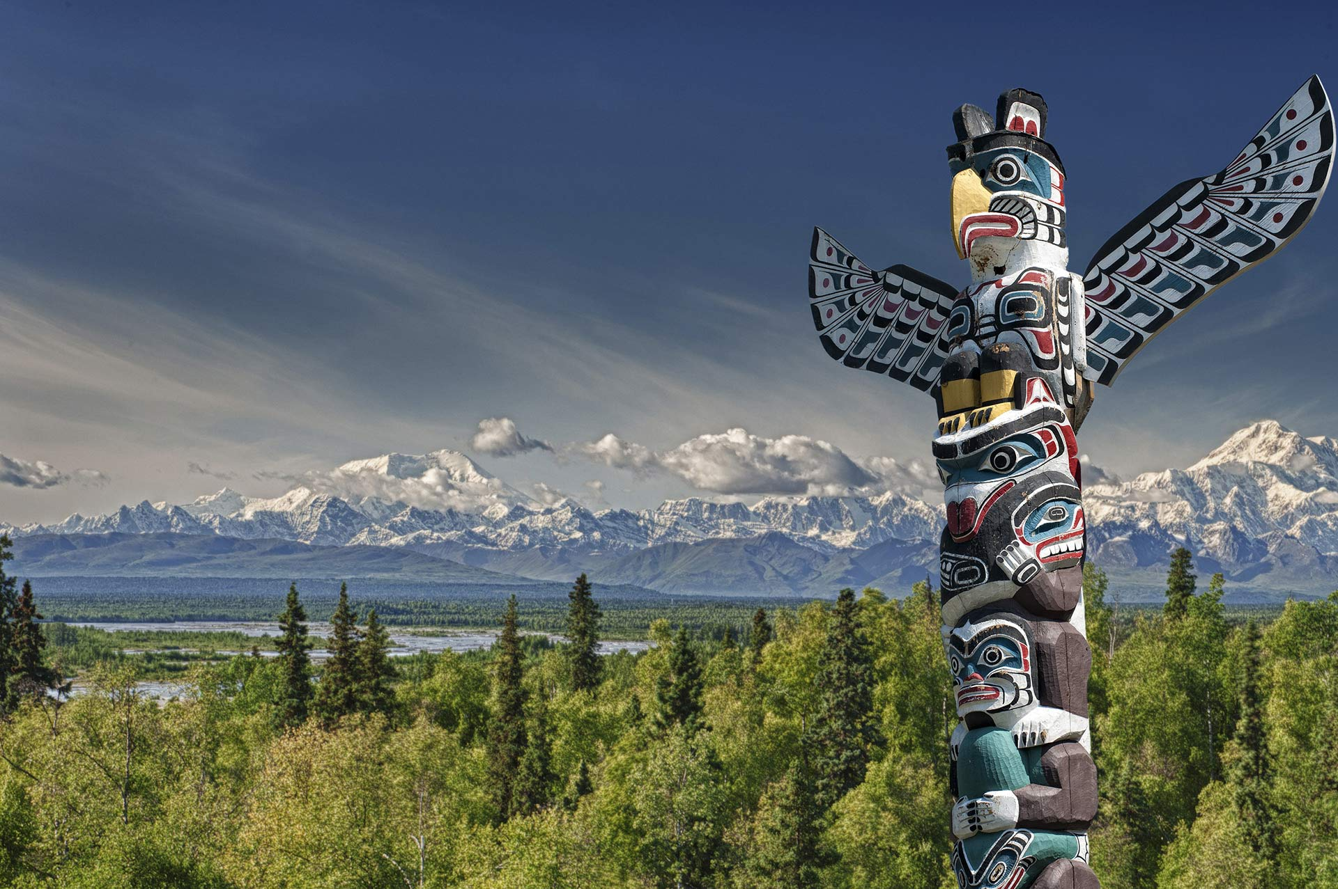 Yacht Charter Destination Alaska Highlight Tribal Wood Totem