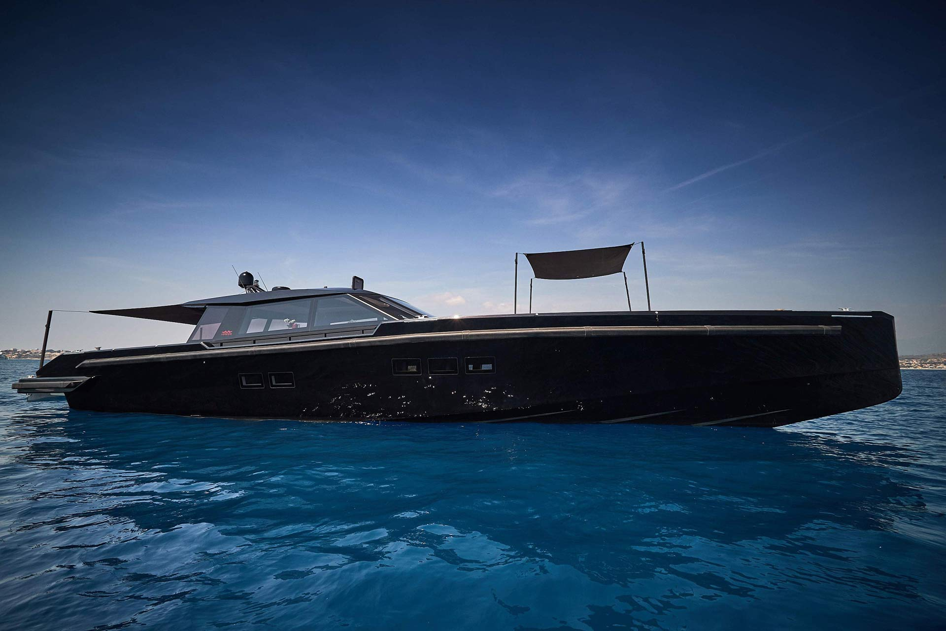 Matariki-Motor-Yacht-for-sale-gallery-15.jpg