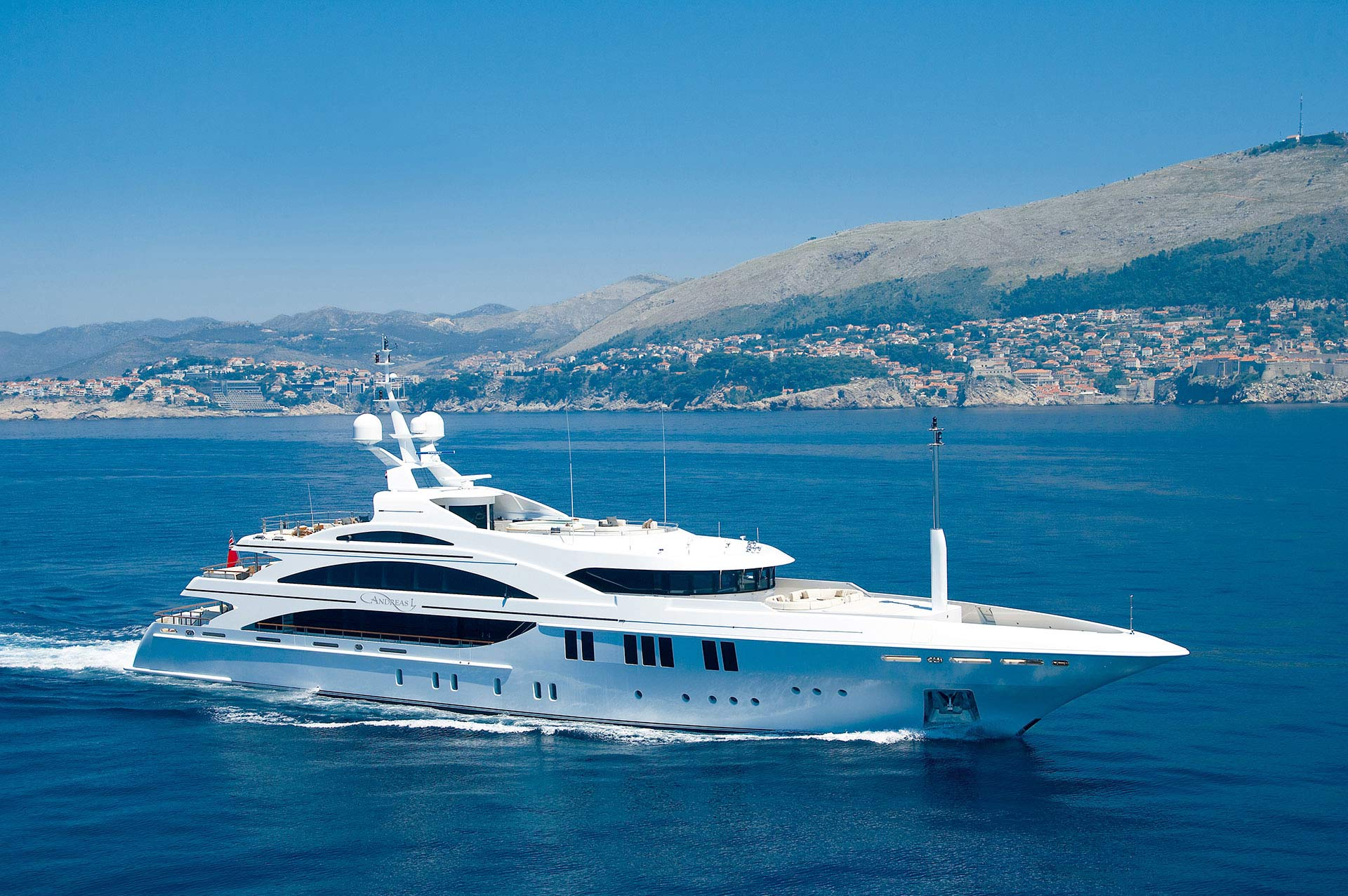Andreas-L-Motor-Yacht-for-charter-gallery-01.jpg