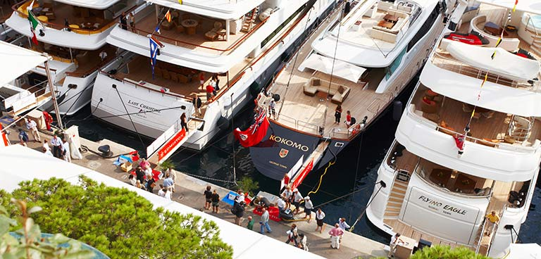 buy a sailing or motor luxury yacht sell a yacht inner