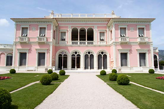 French_Riviera_Yacht_Itinerary_Highlight_Villa_Ephrussi_de_Rothschild_Cap_Ferrat.jpg