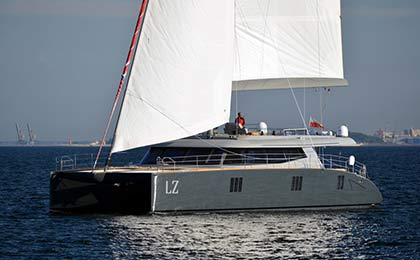 charter a sailing or motor luxury yacht lucy z thumbnail