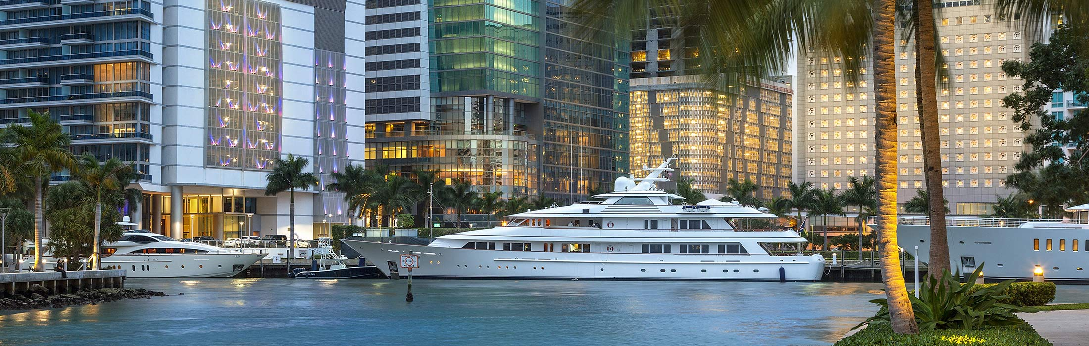 top-yacht-charter-destinations-north-america-miami-main-slider-1.jpg