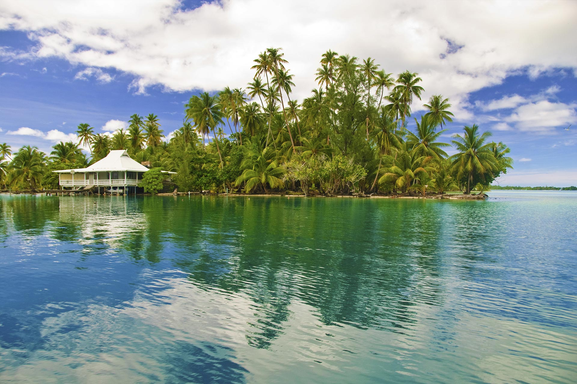 top-yacht-charter-destinations-sourth-pacific-tahiti-9.jpg