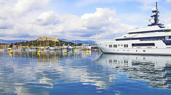 yacht-charter-itinerary-west-mediterranean-french-riveria-cap-d'antibes