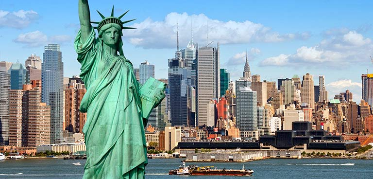 top-yacht-charter-destinations-north-america-new-york-intro.jpg
