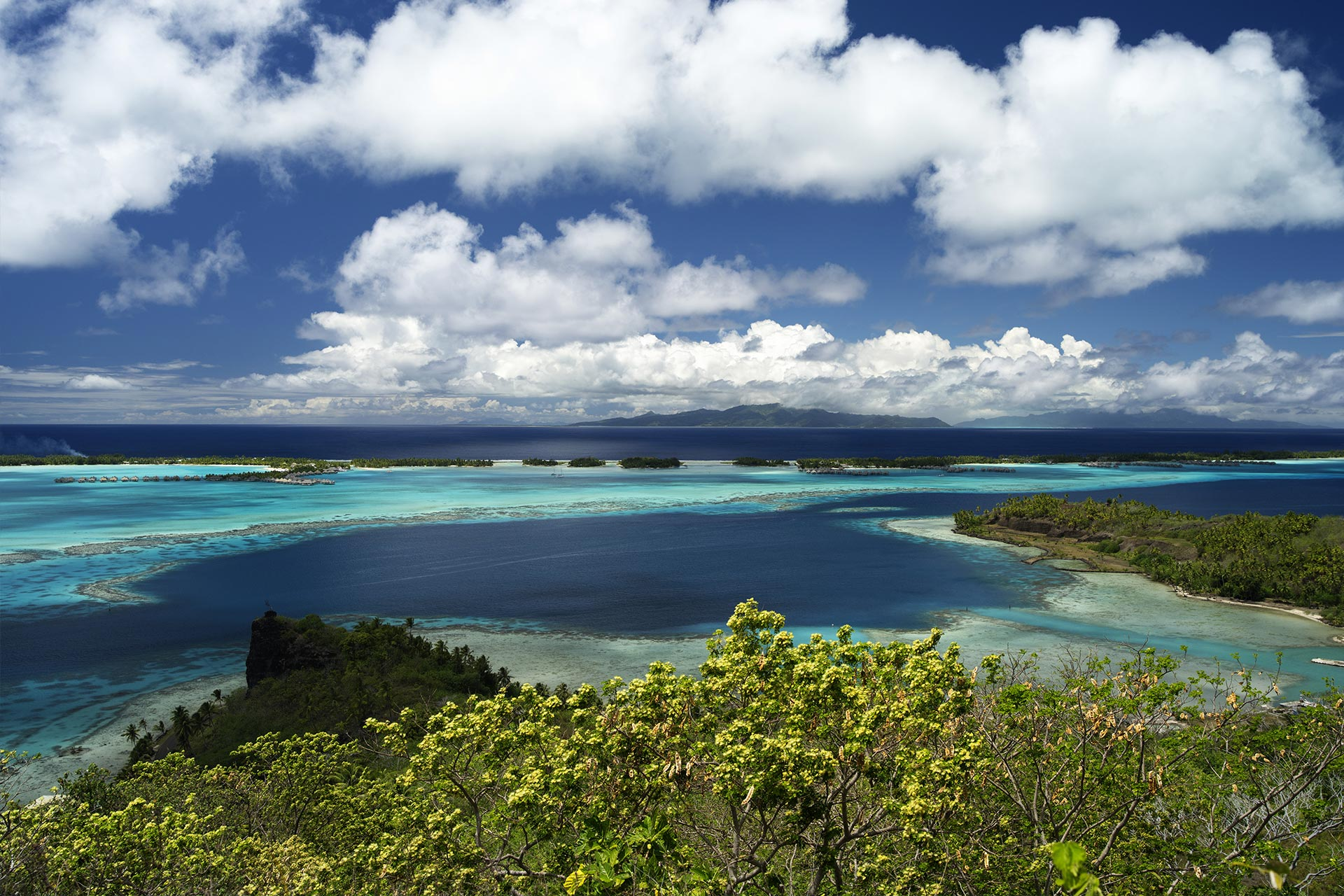 top-yacht-charter-destinations-sourth-pacific-tahiti-6.jpg